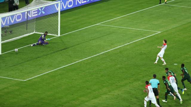 Penalti bem batido por Modric