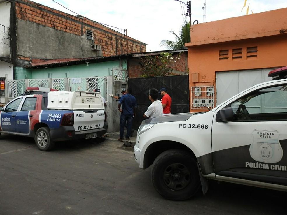 Crime ocorreu  no bairro Monte Sinai, na Zona Norte de Manaus (Foto: Adneison Severiano/G1 AM)