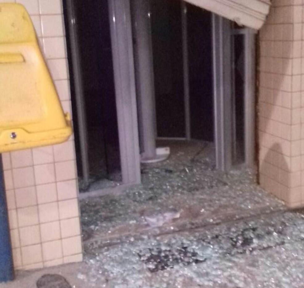 Agência dos Correios de Lagoa do Ouro foi explodida na madrugada (Foto: WhatsApp/Reprodução)