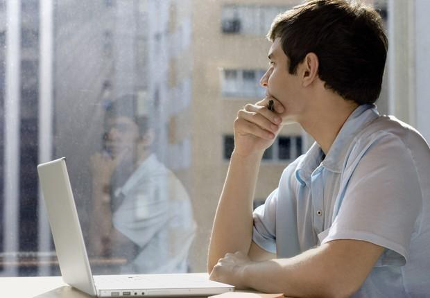 Carreira ; tédio no trabalho ; cansado do emprego ; sem perspectiva ; mudança de emprego ; motivação ; falta de engajamento ;  (Foto: Thinkstock)