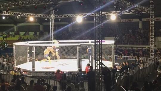 Conhecido como Marreta, lutador vence por nocaute com joelhada voadora e apaga adversário; veja