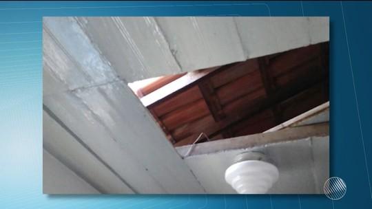 Sede de sindicato no sudoeste da BA tem forro do teto quebrado e aparelho de TV é furtado