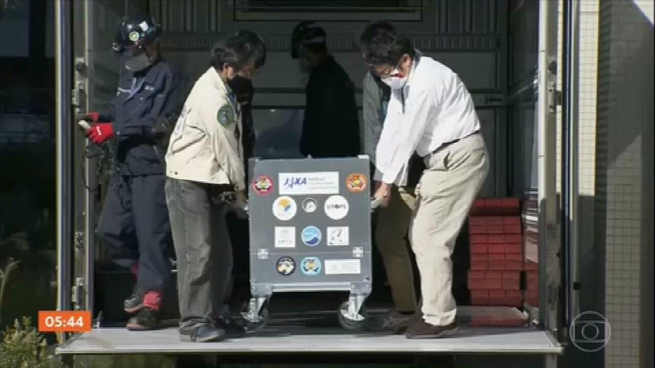 Capsula japonesa contendo amostras de asteroide retorna ao Japão