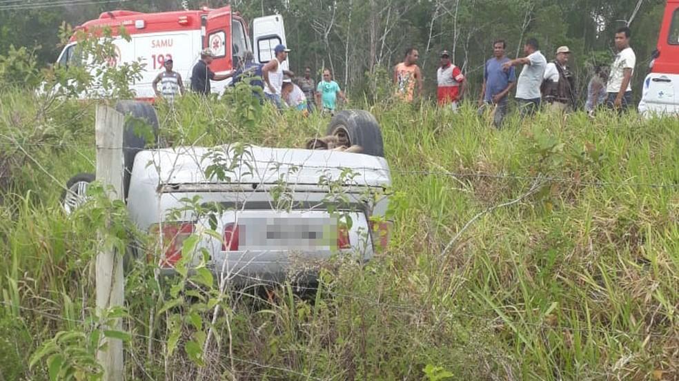 Caso ocorreu na BA-275, altura de Belmonte, cidade do sul da Bahia, na manhã desta sexta-feira (3).  — Foto: Radar 64