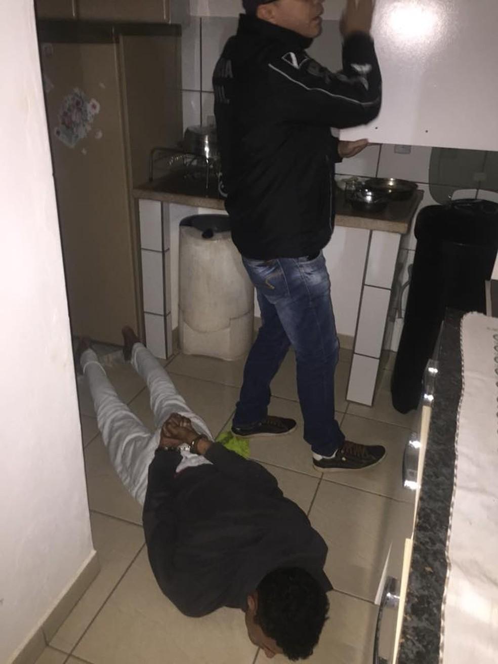 Dupla é reincidente no golpe do falso frete; polícia busca outros suspeitos (Foto: Polícia Civil/Divulgação)