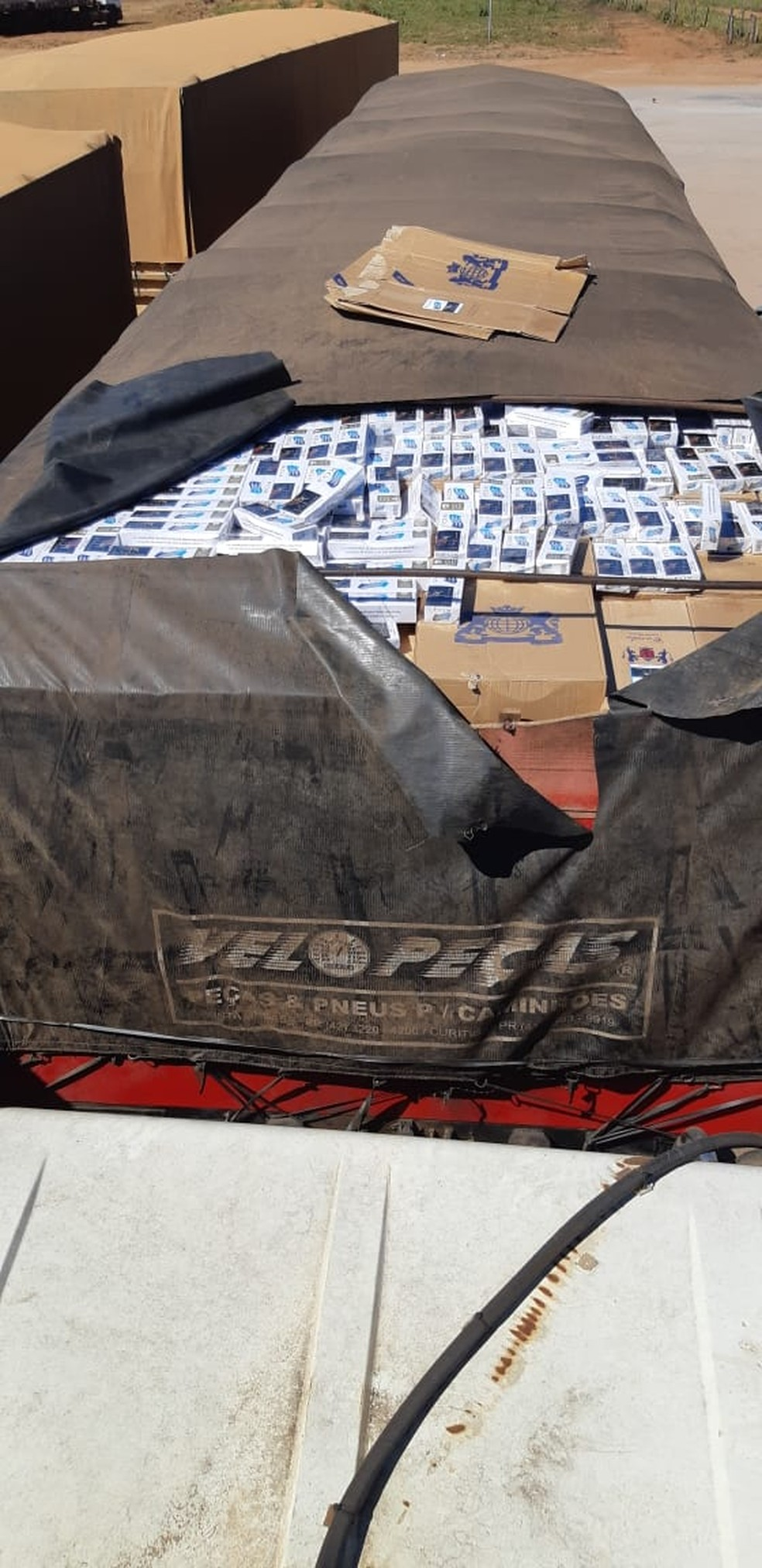 O veículo foi guinchado e levado à delegacia da Polícia Federal de Cuiabá — Foto: Polícia Rodoviária Federal de Mato Grosso/Assessoria