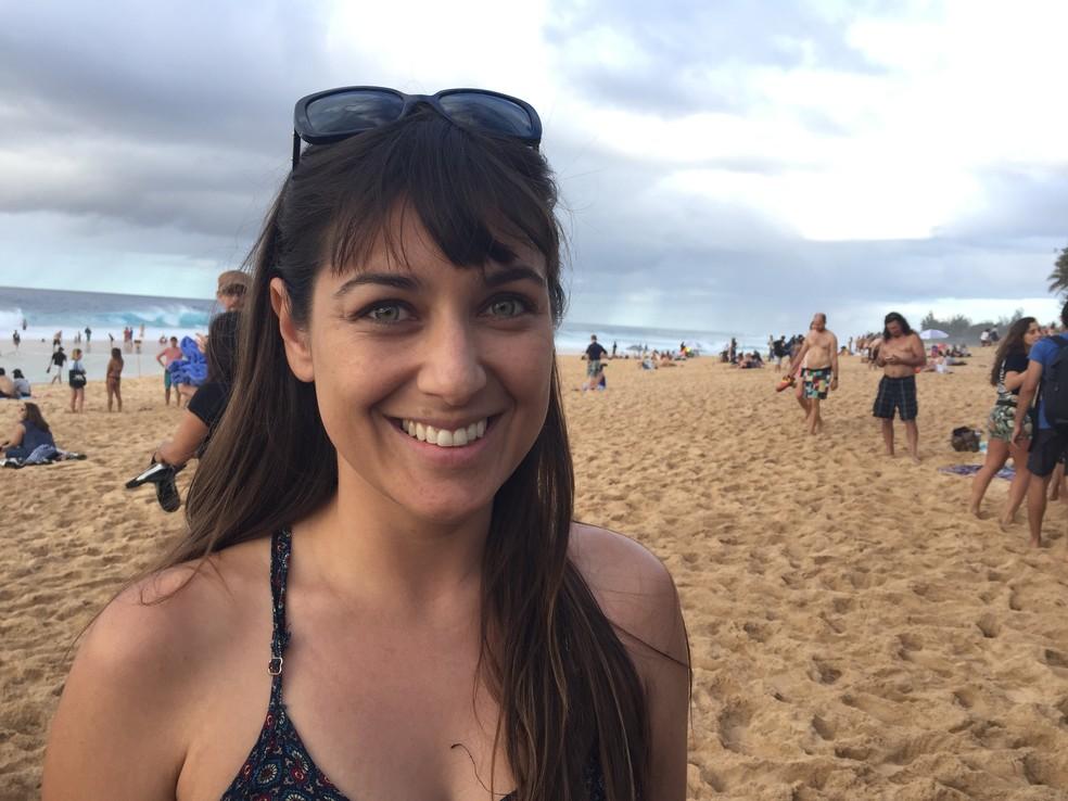 Brasileira Juliana Bassetti vê juízes beneficiando John John Florence, uma preferência para o havaiano, mas considerou a bateria de Medina justa (Foto: Carol Fontes)