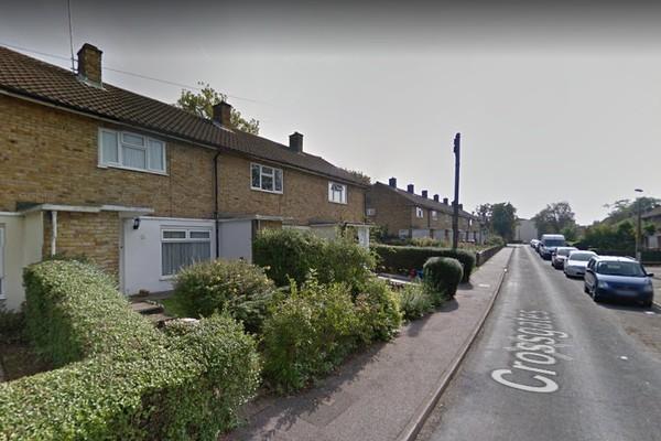 Uma rua da cidade de Stevenage, na Inglaterra, onde Lewis Hamilton nasceu e cresceu (Foto: Google Maps)