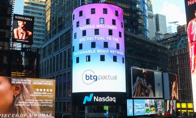 Chegada do BTG à rede da Nasdaq no painel da Bolsa na Times Square