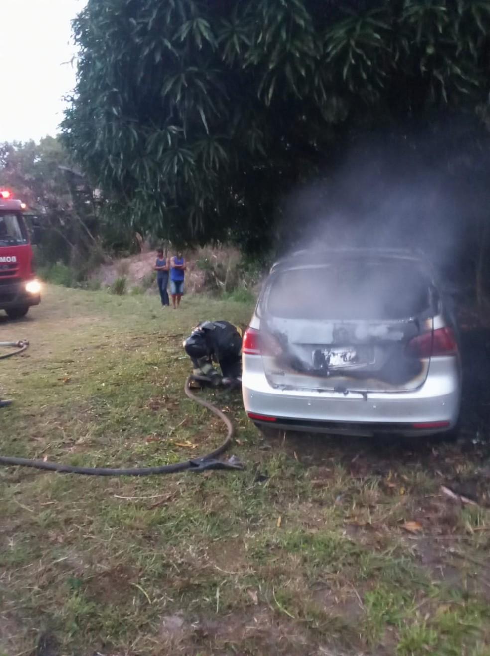 Veículo movido a GNV teve perda total em incêndio em Marechal Deodoro, AL — Foto: Divulgação/Corpo de Bombeiros de Alagoas