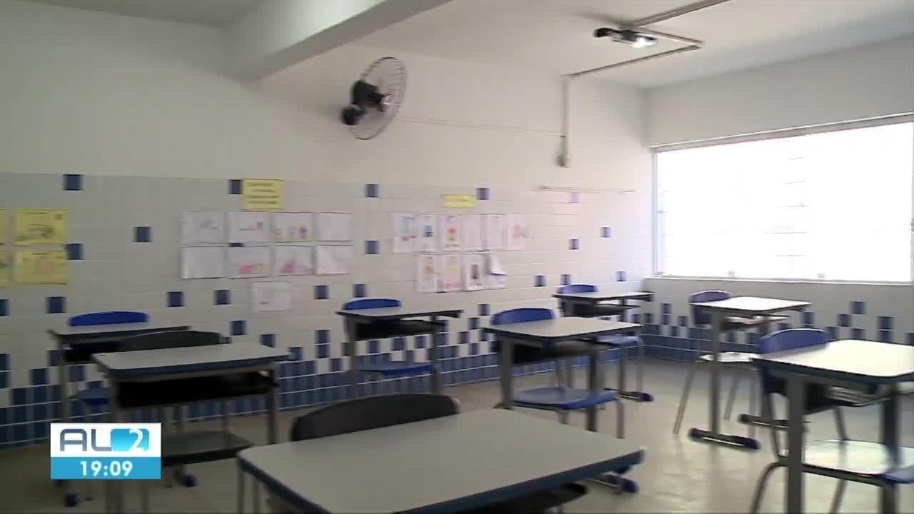 Rede municipal de ensino prepara protocolo de retorno às aulas