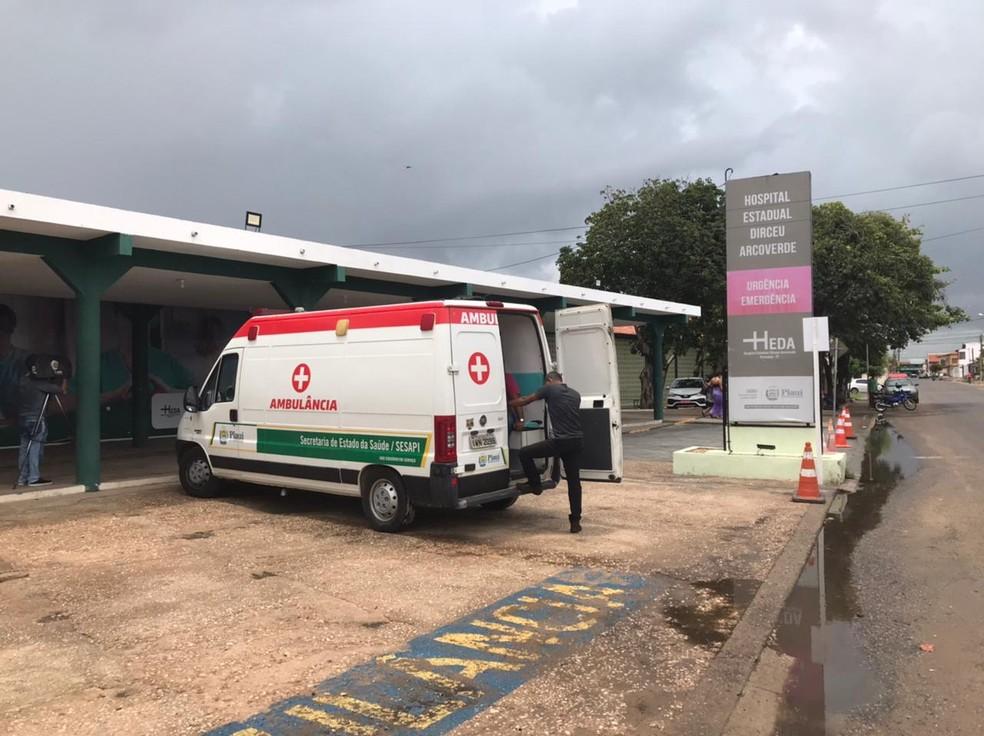 Hospital Dirceu Arvoverde (Heda), em Parnaíba — Foto: Tiago Mendes/ TV Clube