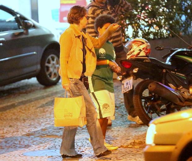 Drica Moraes com o filho, Mateus (Foto: Thiago Martins/AgNews)