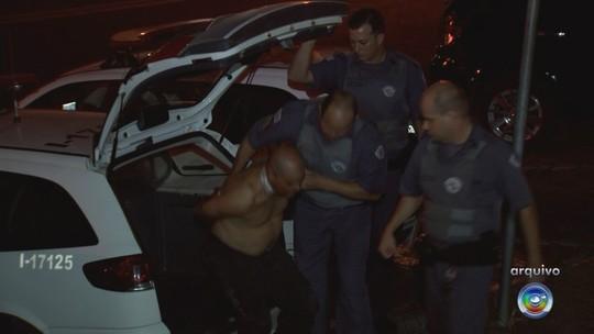 Acusado de matar a esposa a facadas em posto de combustível é condenado a 25 anos de prisão