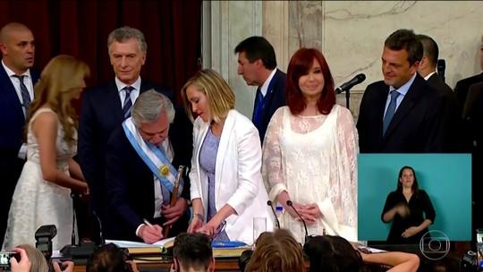Alberto Fernández assume a presidência da Argentina e diz que pagará dívida quando o país crescer