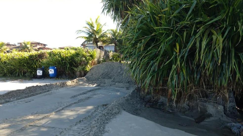 Entradas de praias em São Sebastião são bloqueadas para evitar aglomeração — Foto: Prefeitura de São Sebastião/Divulgação