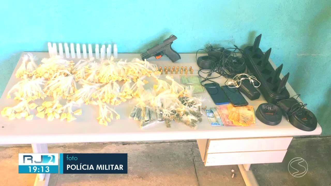 Seis suspeitos são detidos em Volta Redonda com 430 sacolés de cocaína e arma