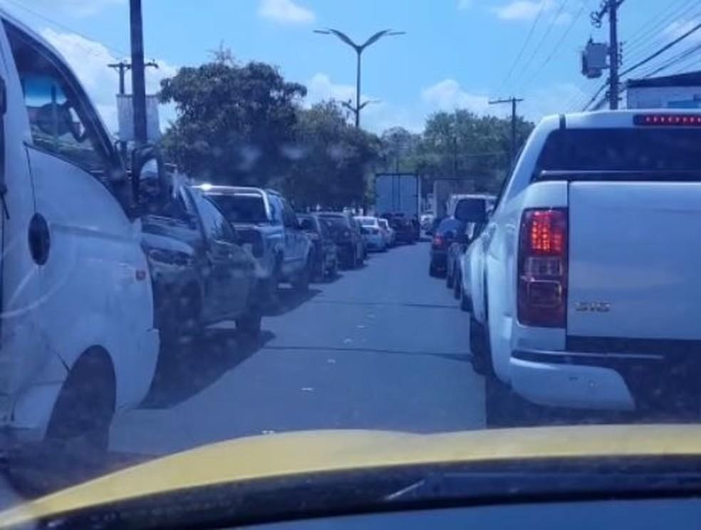 Trânsito ficou parado na região. — Foto: Divulgação