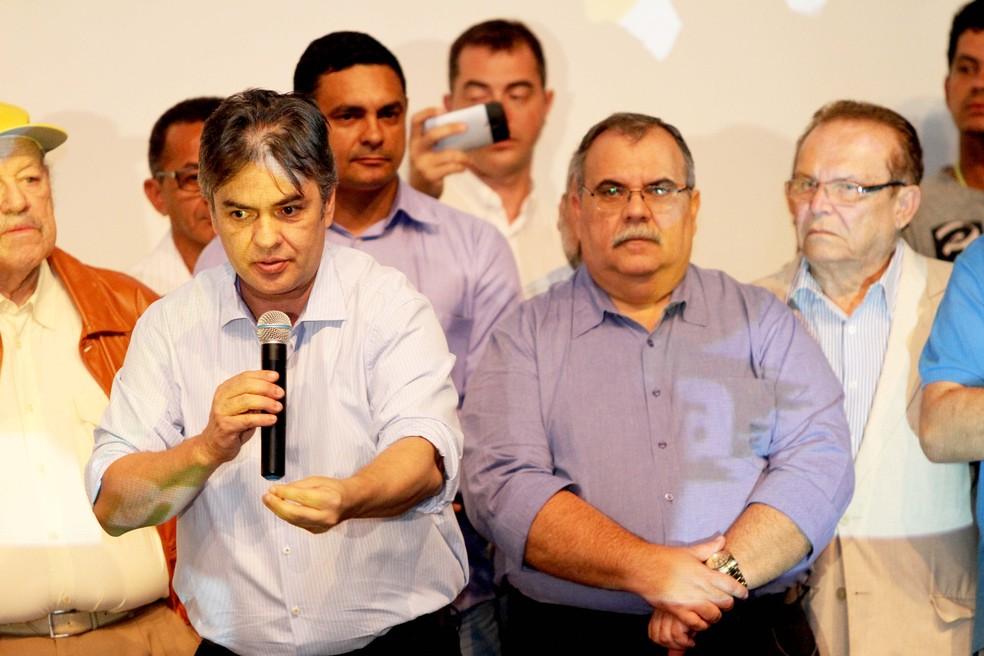 Cássio Cunha Lima e Rômulo Gouveia durante convenção do PSD (Foto: Leonardo Silva/Jornal da Paraíba/Arquivo)