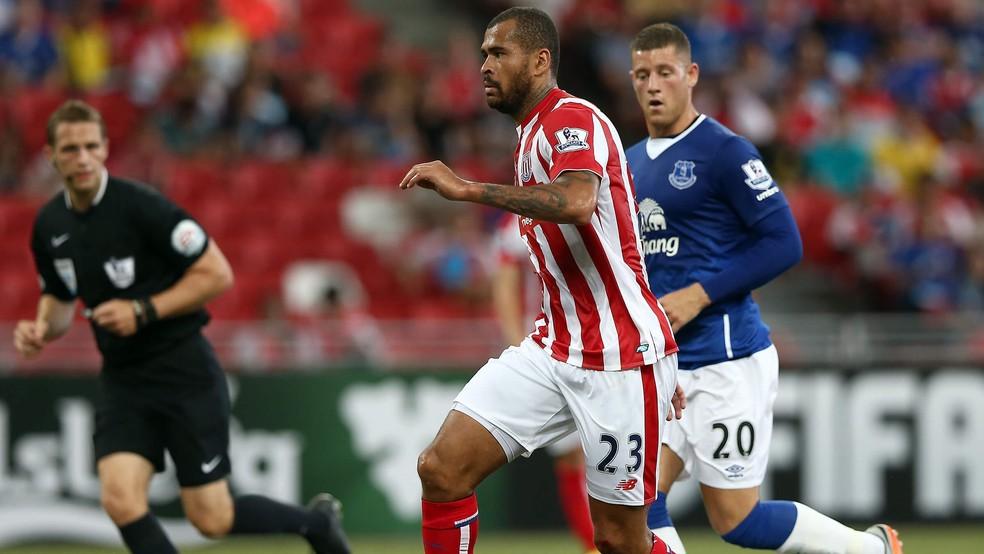 Dionatan Teixeira jogou pelo Stoke City em duas temporadas (Foto: Divulgação/Stoke City)