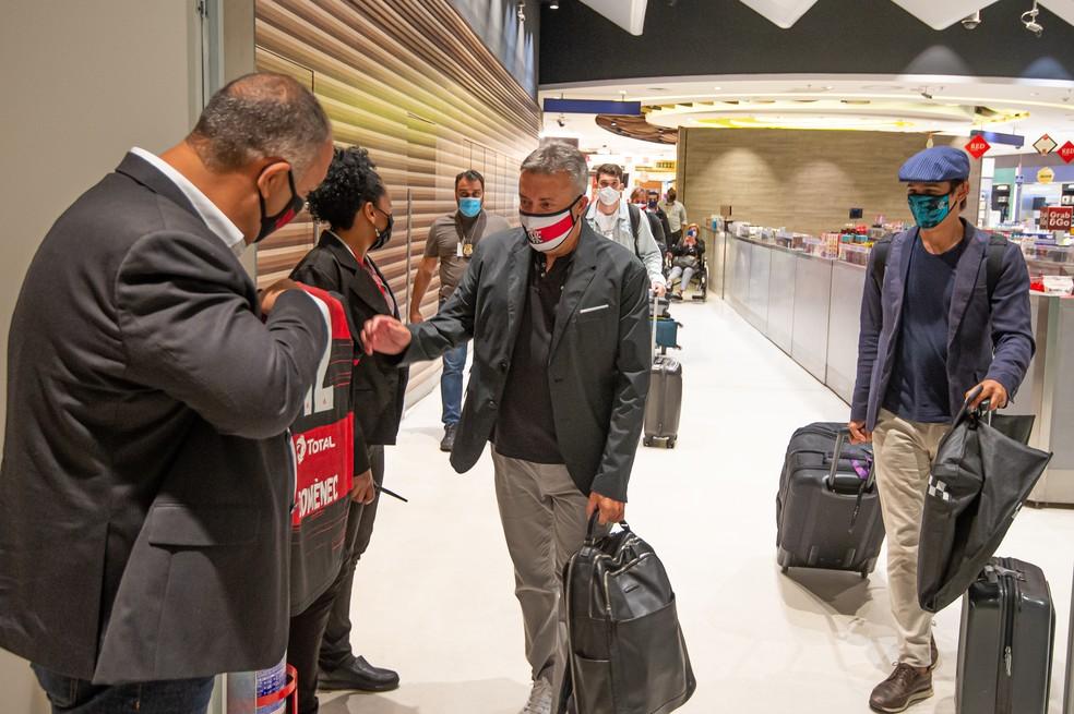 Marcos Braz na chegada de Domènec Torrent, Flamengo — Foto: Alexandre Vidal / Flamengo