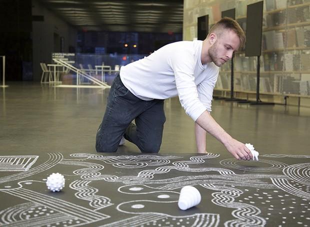Nik Bentel desenvolveu uma instalação para ficar exposta no The New Museum (Foto: Designboom/ Reprodução)