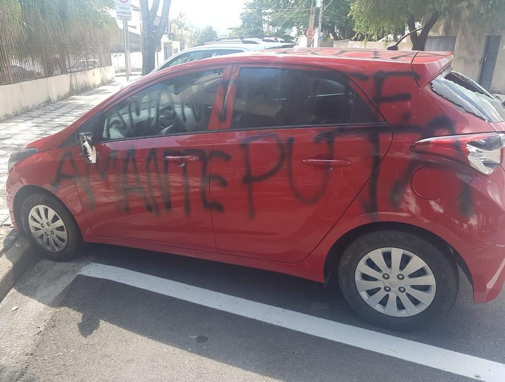 Mulher registra ocorrência após ter carro quebrado e pichado em Sorocaba (SP) — Foto: Divulgação