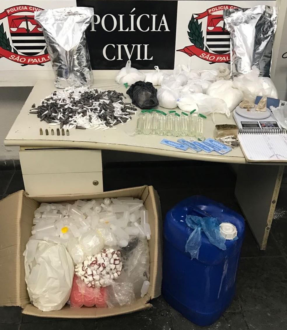 Ao todo, foram apreendidos 235 kg de drogas durante operação (Foto: Divulgação/Polícia Civil)