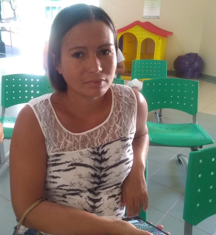 Maria Paulina, diz que segundo os médicos, o quadro da filha é estável — Foto: Alcinete Gadelha/G1