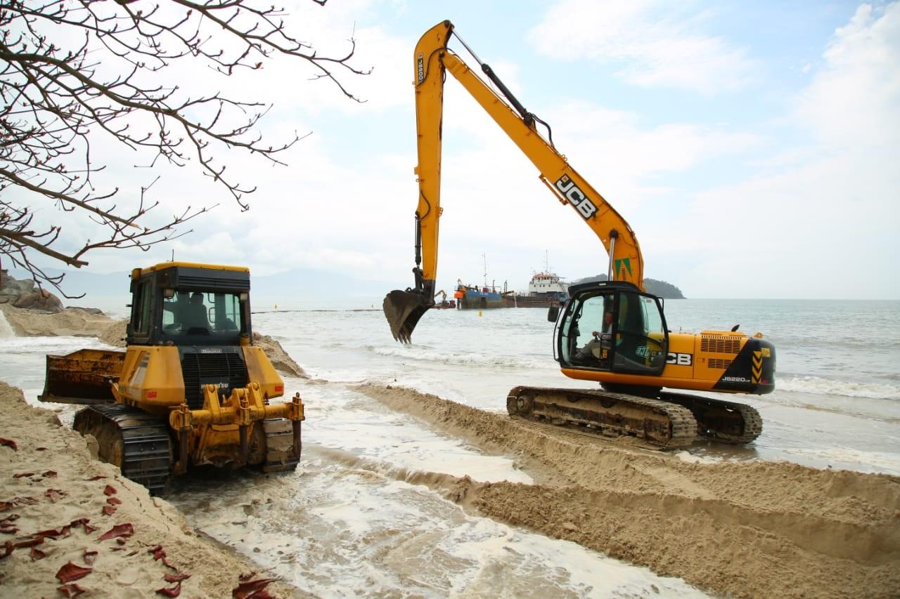 Obra de alargamento da faixa de areia de Canasvieiras será concluída antes do verão - Notícias - Plantão Diário