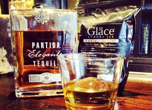 A  Gläce Luxury Ice recomenda que o gelo seja usado em bebidas de alto padrão (Foto: Divulgação)