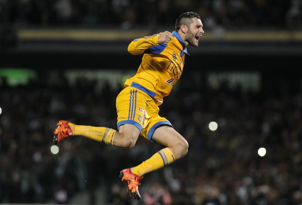 Gignac comemora o seu gol na prorrogação (Foto: EFE)