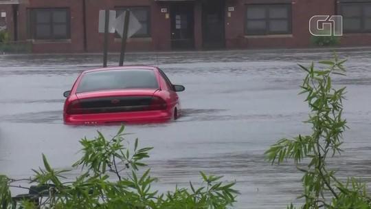 Florence perde força e se transforma em tempestade tropical nos EUA