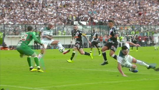 Em recuperação, Willian publica vídeo correndo em esteira na Academia de Futebol do Palmeiras