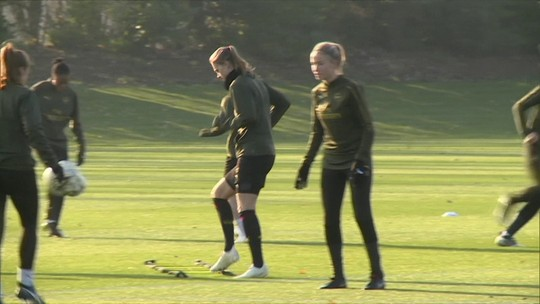 Seleção em alta e Superliga profissional: futebol feminino inglês cresce às vésperas da Copa