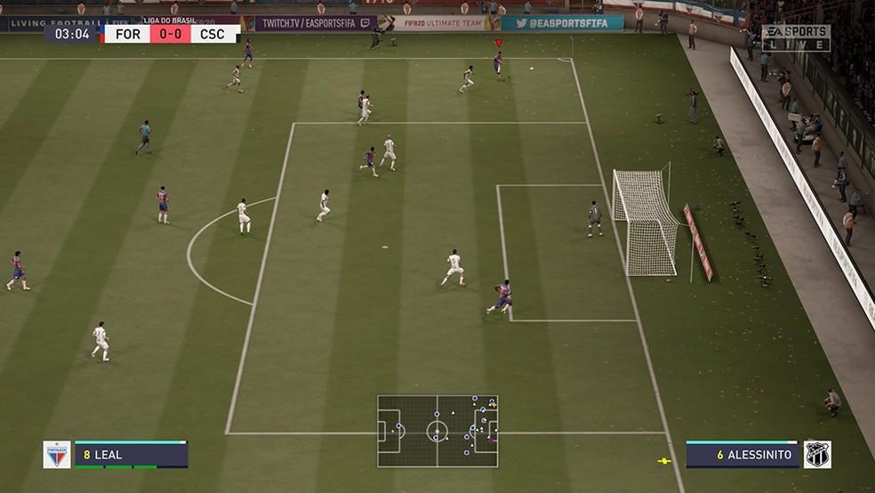 Levantar a bola na rea em FIFA 20 nem sempre  a melhor opo  Foto ReproduoAndr Magalhes