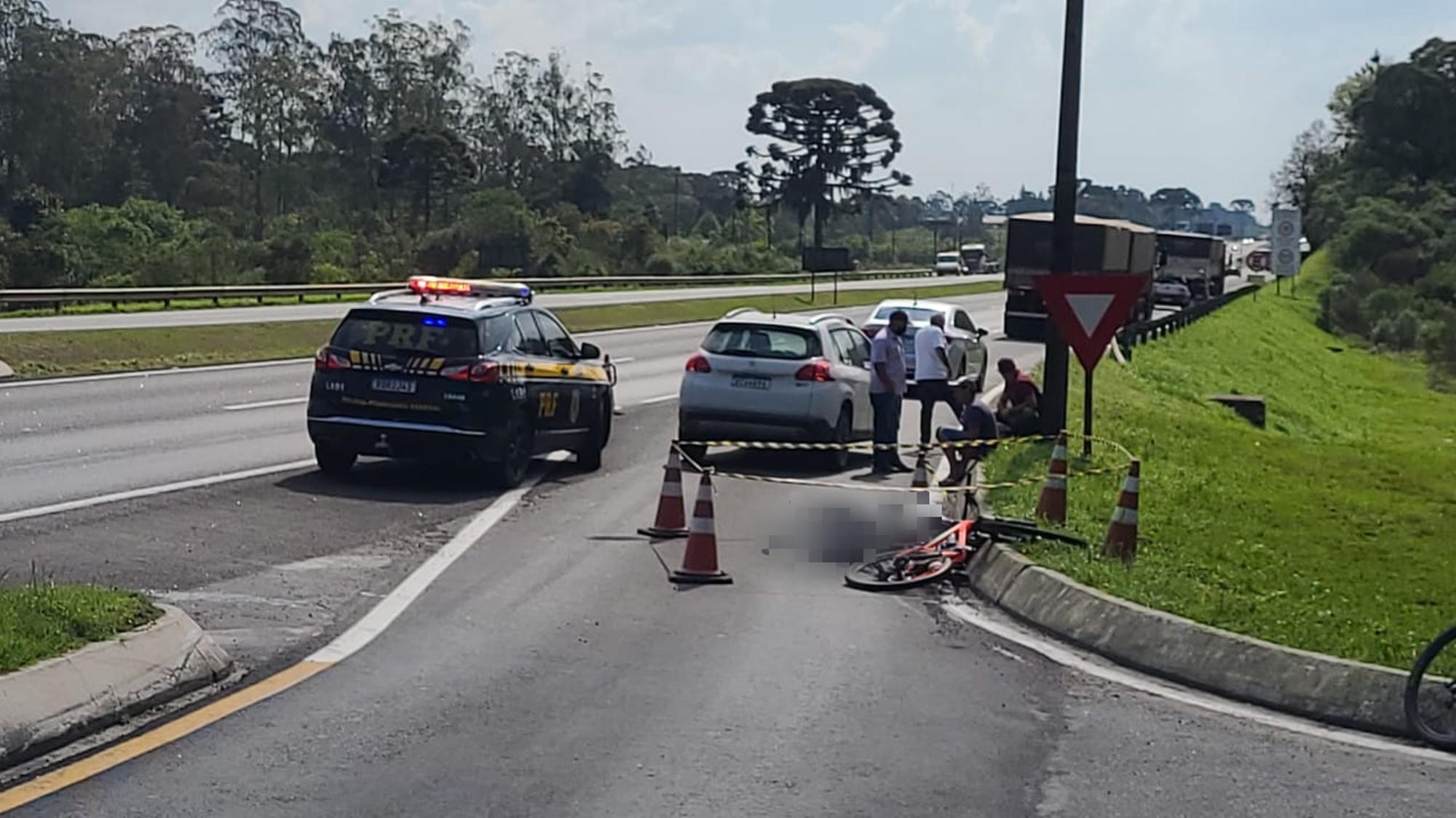 Ciclista morre atropelada por caminhão em via marginal de acesso à BR-277, em São José dos Pinhais