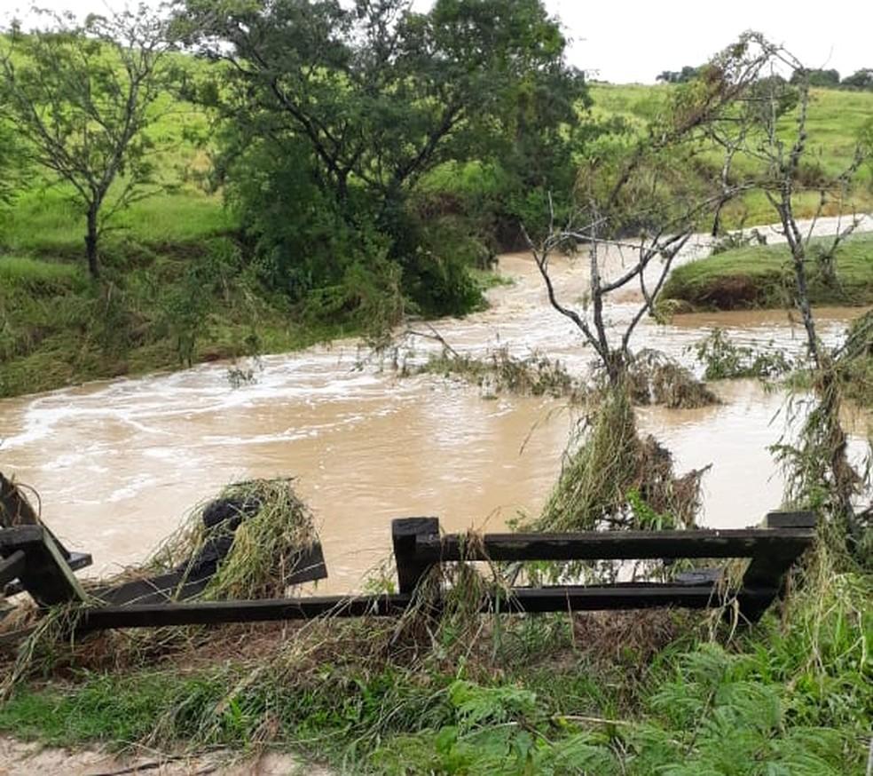 Pontes rurais ficam comprometidas após temporal em Tietê (SP) — Foto: Prefeitura de Tietê/Divulgação