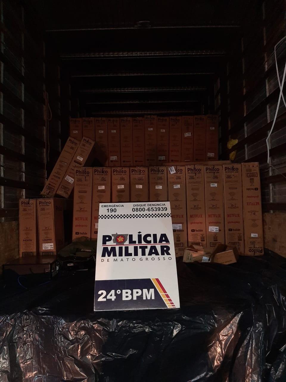 Ladrões invadem empresa de transporte, roubam 64 televisões e são presos em Cuiabá
