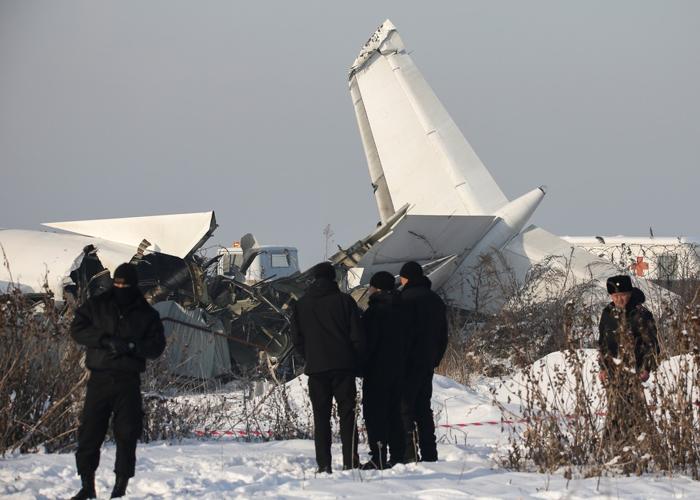 Resultado de imagem para avião cazaquistão