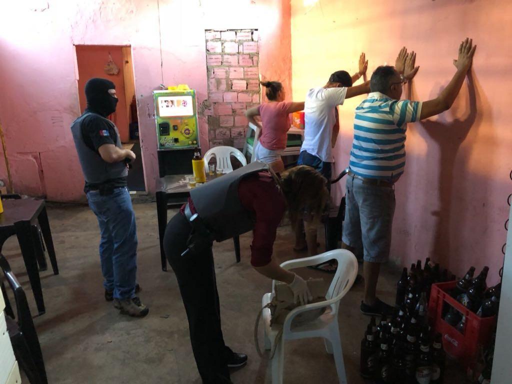 Operação em Arapiraca prende suspeitos de tráfico de drogas e exploração sexual