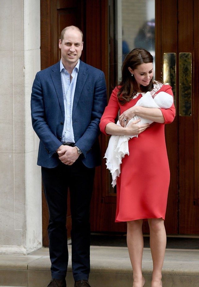 Kate Middleton saindo da maternidade  (Foto: Getty Images)