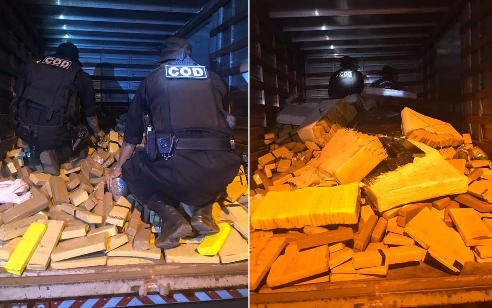 Droga estava na carroceria de um caminhão-baú, em Perolândia (Foto: Divulgação/PM)