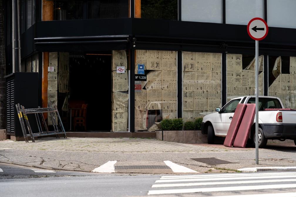 Setor de serviços foi impactado por medidas restritivas em 2020 — Foto: Marcelo Brandt/G1