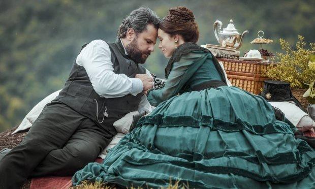 Selton Mello e Mariana Ximenes em cena de 'Nos tempos do imperador' (Foto: Globo)
