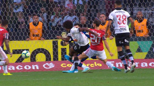 Vasco bate o São Paulo por 2 a 0 em São Januário; veja os gols