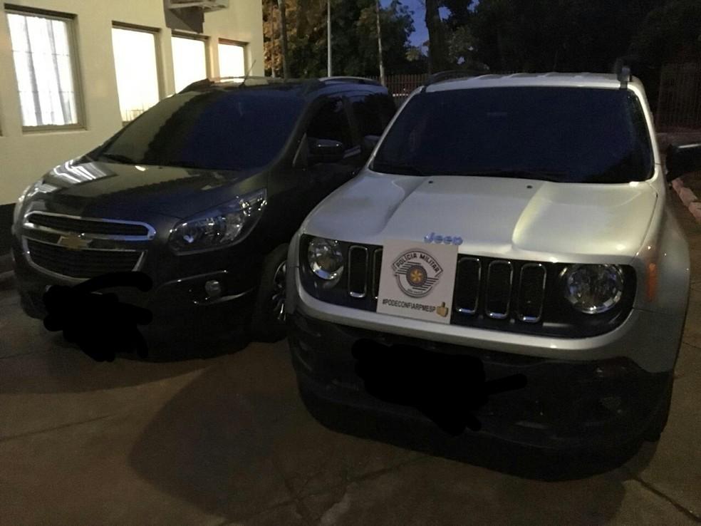 Veículos suspeitos foram abordados — Foto: Polícia Militar/Cedida