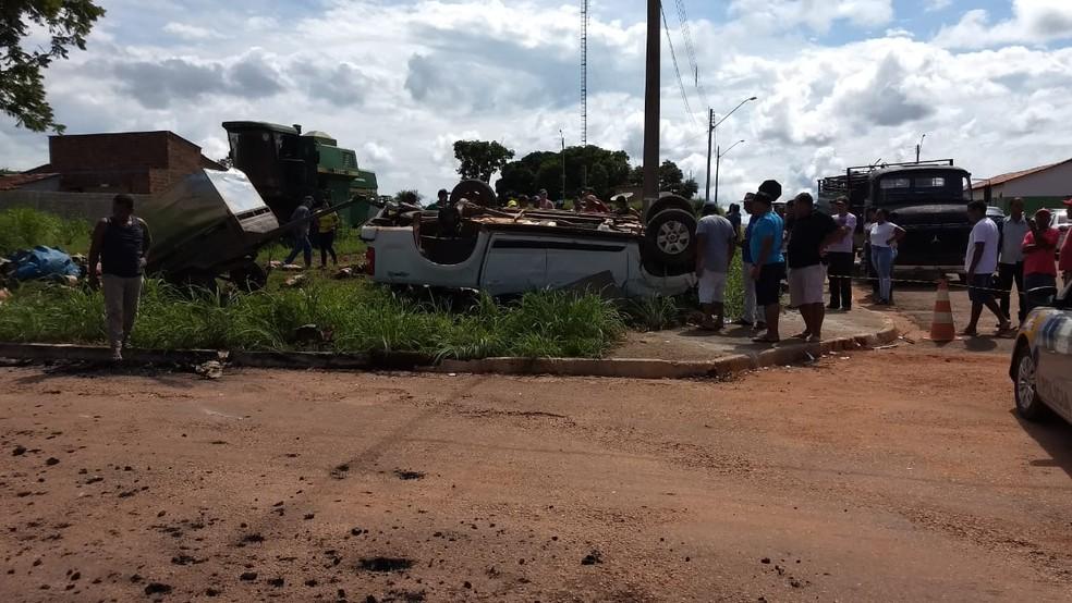 Acidente deixou uma pessoa morta e três feridas — Foto: Divulgação