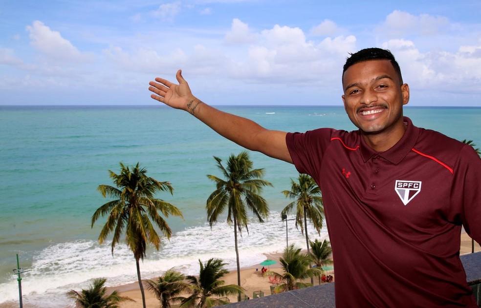 Alagoano, Reinaldo jogará no seu estado contra o CSA (Foto:  Rubens Chiri / saopaulofc.net)