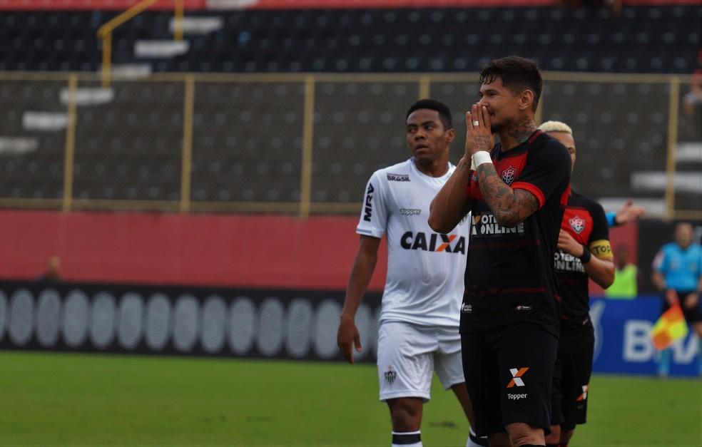 Léo Ceará marcou os gols dos triunfos rubro-negros sobre Atlético-MG e América-MG (Foto: Maurícia da Matta / EC Vitória / Divulgação)